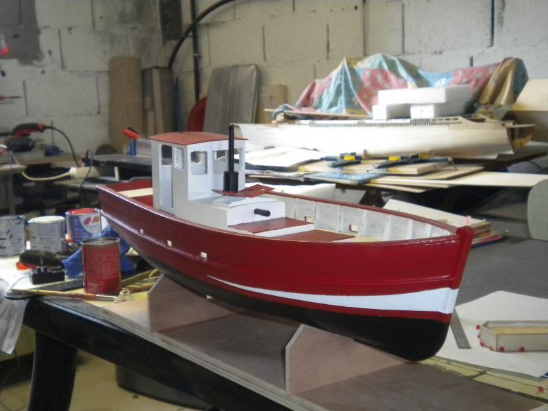 barque chalutiére au 1/20è d'après plans - Page 6 498112DSCN2371