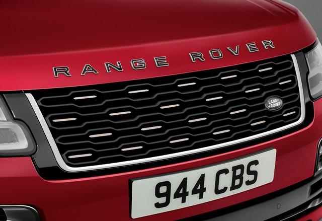 Le Nouveau Range Rover intègre dans sa gamme une motorisation essence hybride rechargeable 504560rrsvautobiographydynamic3