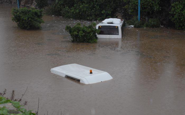 ما لم تشاهدوه من فيضانات العاصمة الأقتصادية 50807515595046495275144354883144357354586494640njpg