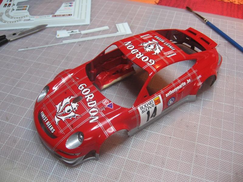 Les voitures jamais tout à fait terminées de chez Loulou..... - Page 5 508140PorscheGordon2dcalques004