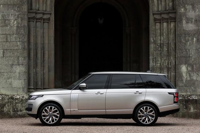 Le Nouveau Range Rover intègre dans sa gamme une motorisation essence hybride rechargeable 509550rr18myphevlwbstatic10101704