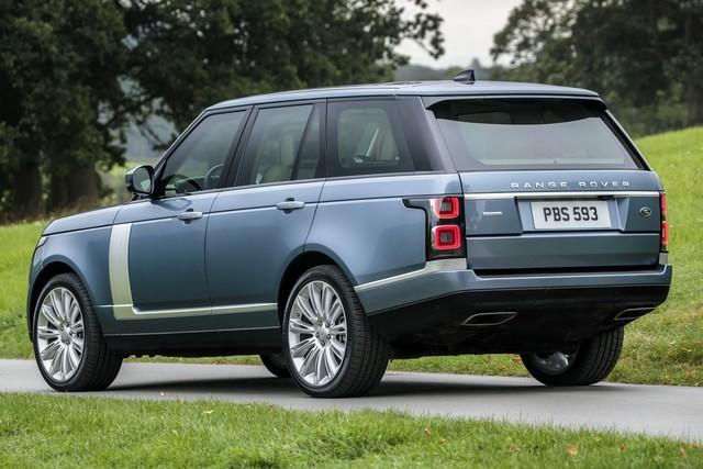 Le Nouveau Range Rover intègre dans sa gamme une motorisation essence hybride rechargeable 509741rr18mystatic10101713