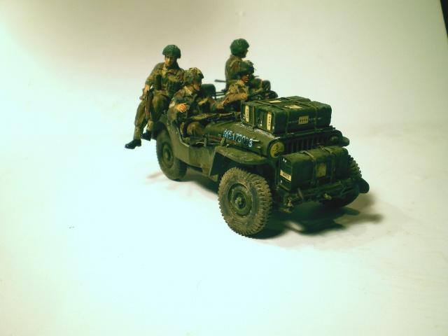 jeep indochine - 6 pdr ,jeep ,équipage airborne Bronco 1/35 (sur la route de Ouistreham) 510849IMGP0011