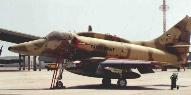 DOUGLAS A-4 SKYHAWK [NOUVELLE VERSION] 511424DouglasA4KUFreeKuwait