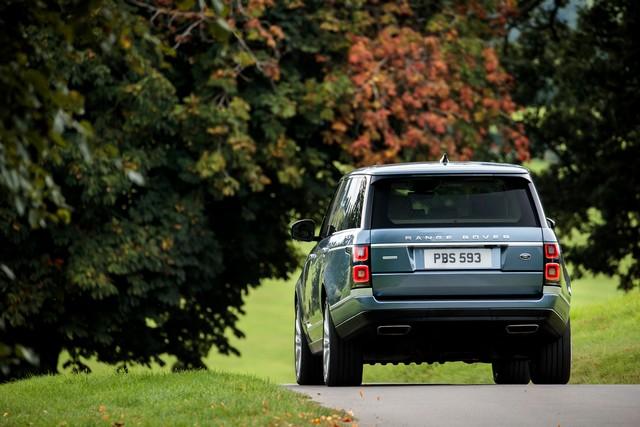 Le Nouveau Range Rover intègre dans sa gamme une motorisation essence hybride rechargeable 513208rr18myonroad10101706