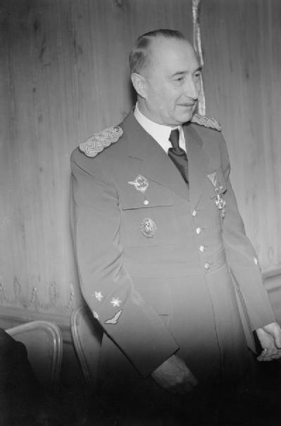 LFC : 16 Juin 1940, un autre destin pour la France (Inspiré de la FTL) 515449DusanSimovic1942
