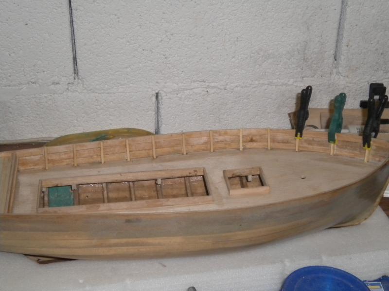 barque chalutiére au 1/20è d'après plans - Page 3 519812DSCN2201