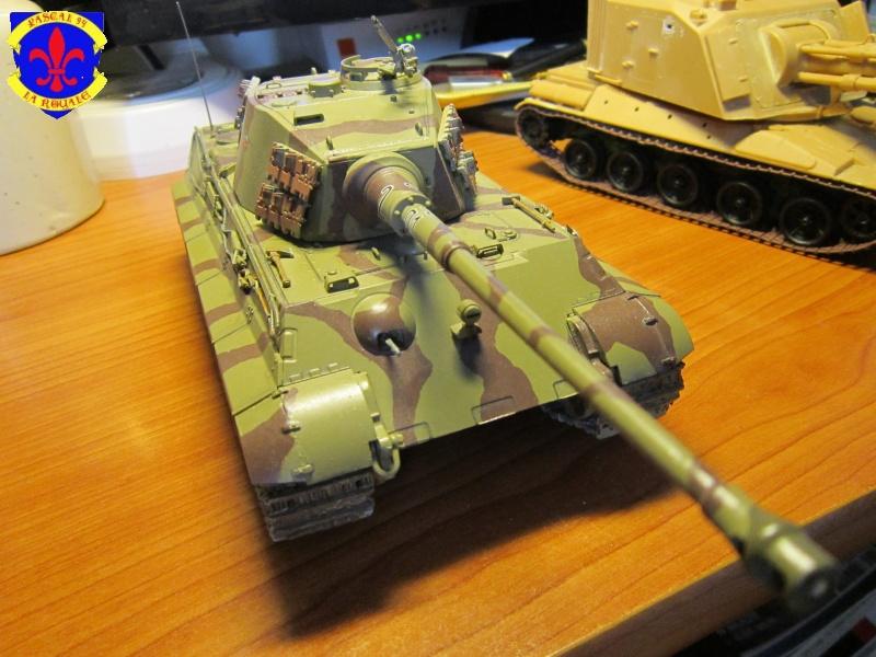 Sd.Kfz.182 King Tiger à tourelle Henschel de Dragon au 1/35e par pascal 94 - Page 2 523258IMG1611b