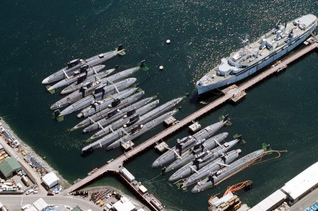 SOUS MARINS NUCLEAIRES D'ATTAQUE CLASSE SKIPJACK 525740USS_Skipjack_4