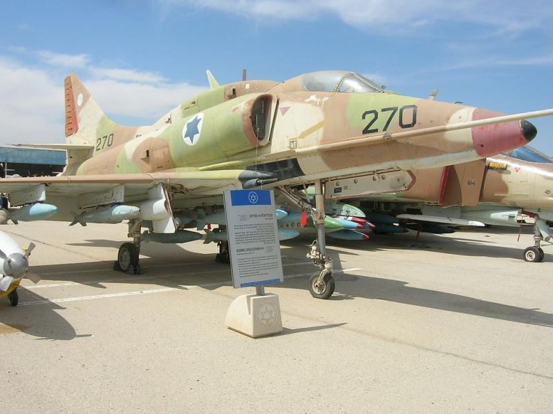 DOUGLAS A-4 SKYHAWK [NOUVELLE VERSION] 535060DouglasA4HSkyhawk7