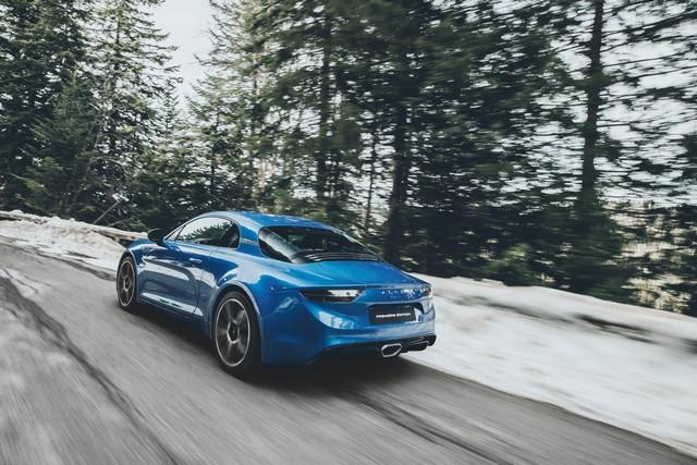 Alpine est de retour - A110, la voiture de sport française agile et compacte 5416618831716