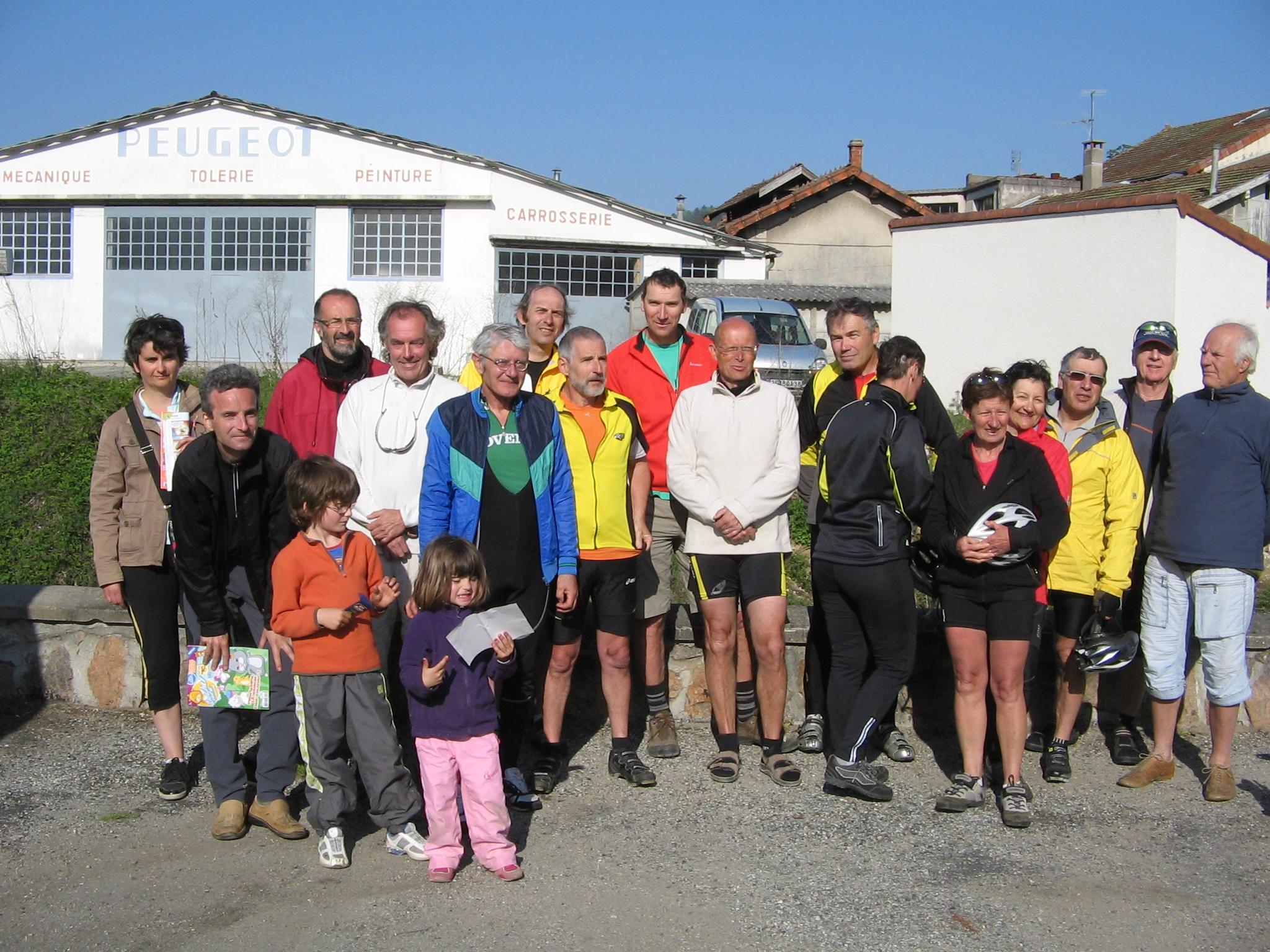 6e sortie dans la vallée du Haut Doux (Ardèche) le samedi 16 avril 2011 5438176sortiedelavalleduhautdoux075