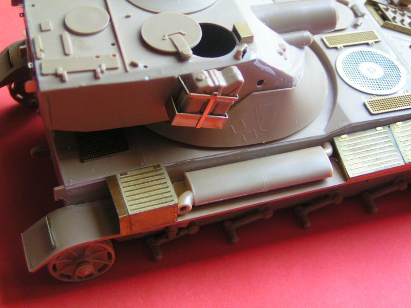 Conversion et détaillage de l'AMX 13/75 de HELLER au 35ème 555837PICT0022