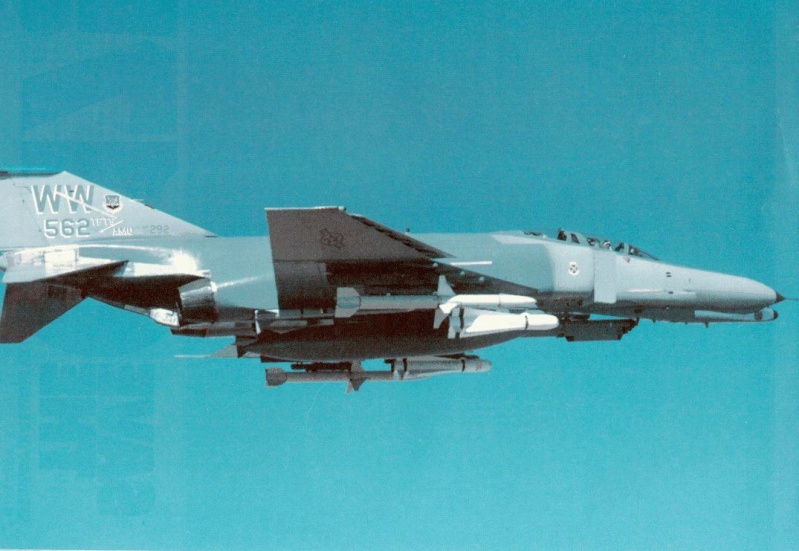 MCDONNELL F-4 PHANTOM II [NOUVELLE VERSION] 557267McDonnellDouglasF4GWildWeaselUSAF562ndTFTS