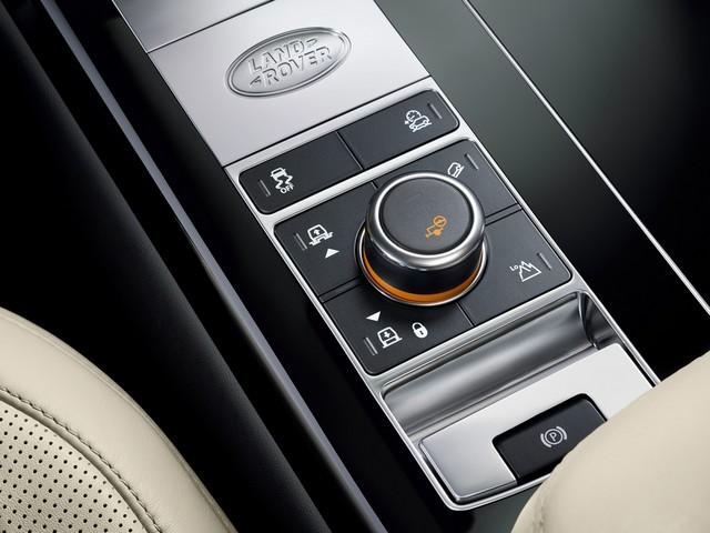 Le Nouveau Range Rover intègre dans sa gamme une motorisation essence hybride rechargeable 557579rr18mydetail10101711