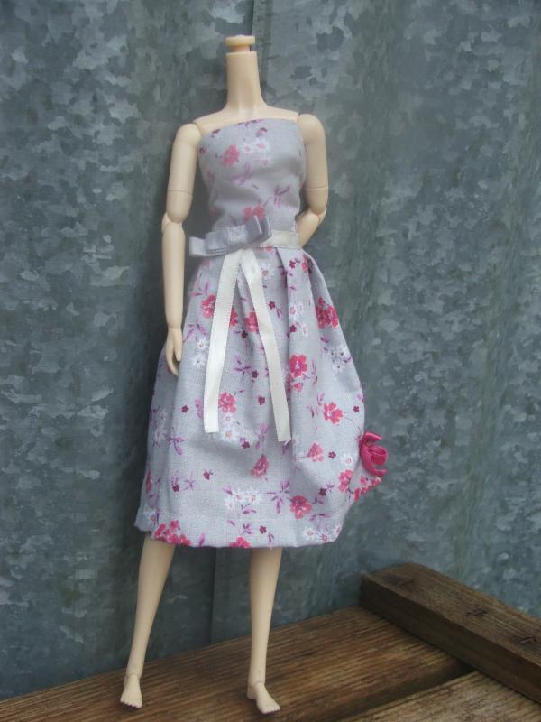 Besoin d'un mannequin couture BOBOBIE MEI P1 tt en haut - Page 2 558576DSCF0806