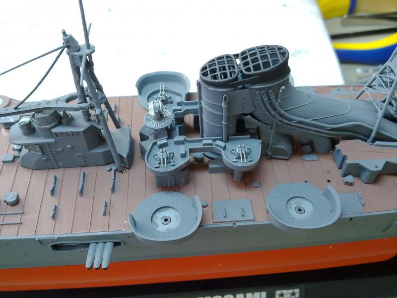 croiseur lourd Mogami au 1/350 par Pascal 94 - Tamiya  - Page 4 558770passerelledca4jpg