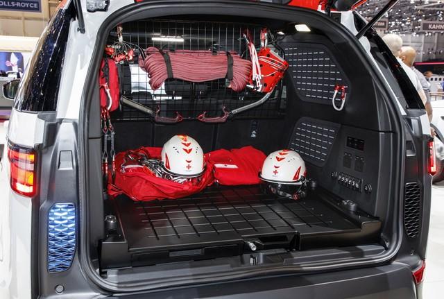 Project Hero, une version unique du nouveau Land Rover Discovery pour la Croix Rouge autrichienne  562528lrnewdiscoveryprojecthero07021715