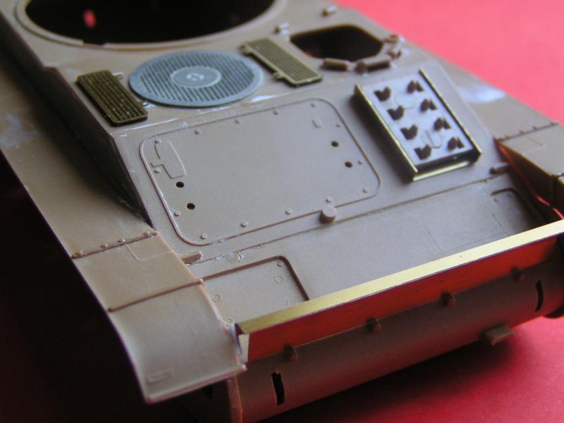 Conversion et détaillage de l'AMX 13/75 de HELLER au 35ème 566969PICT0017