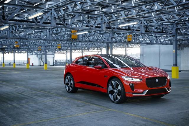 Le concept électrique Jaguar I-Pace dans les rues de Londres  568002ipacelondon049