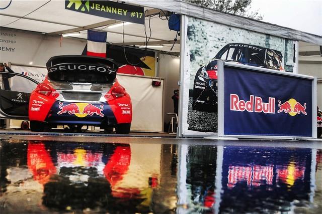 Rallycross - Beau podium de Sébastien Loeb et la PEUGEOT 208 WRX à domicile 5700772016RXFrance802