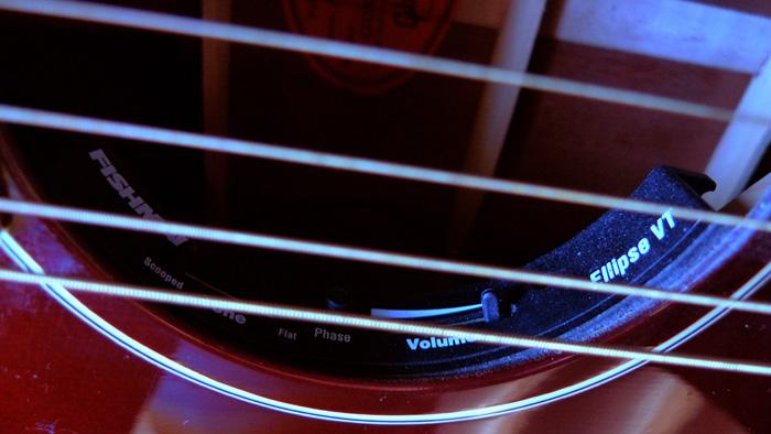 Présentation de nos guitares de grandes marques (présentation des guitares uniquement, pas de commentaires) 570967Ellipse