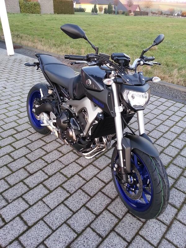 Photos de toutes les Yamaha MT-09 du forum ! :) 571424YLuxo