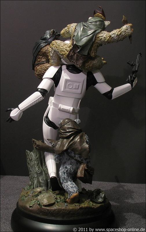 """Fall of the Empire"" – Ewoks vs. Stormtrooper Diorama 5755160044"