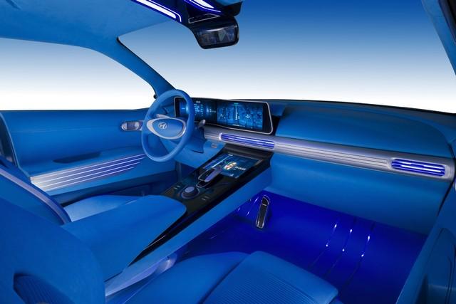 Hyundai a dévoilé son concept Fuel Cell nouvelle génération au salon de l'automobile de Genève 577003FEFuelCellConceptInterior2