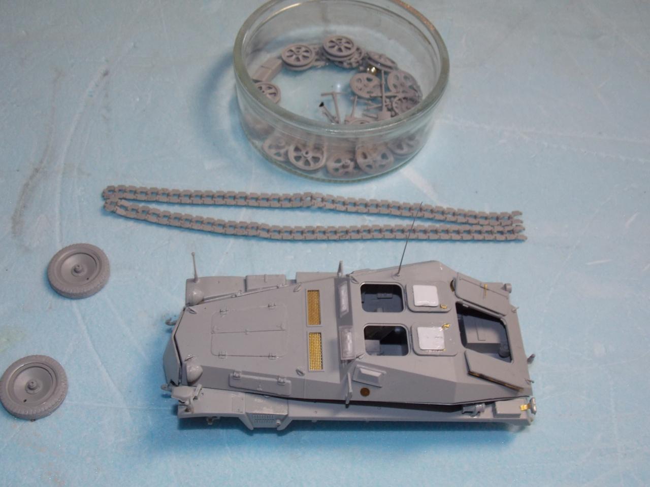 Quelque part sur le front de l'Est Juin 41 - Stug III Ausf.B (Tamiya ) et Sd.Kfz.252 (Dragon ) 1/35 577297DSCN5374