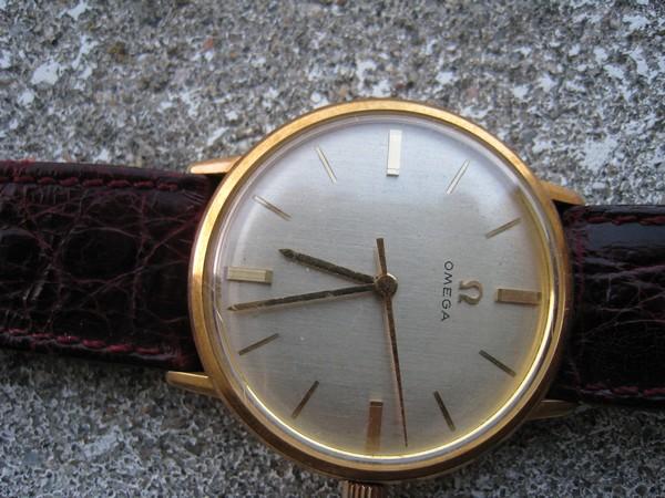 Jaeger -  [Postez ICI les demandes d'IDENTIFICATION et RENSEIGNEMENTS de vos montres] - Page 2 580456IMG0249