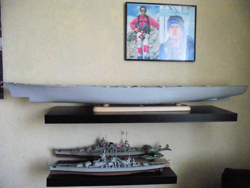 Bismarck Trumpeter 1x200 avec PE et figurines Eduard 582765Bismarck1x2007