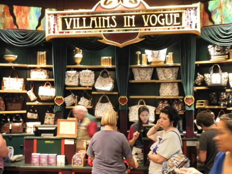 Les accros du shopping à Walt Disney world - Page 2 583754SAM4485