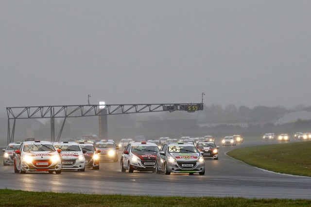 Rencontres Peugeot Sport - Quatre Titres Distribués A Nogaro ! 592413582842c17bedf
