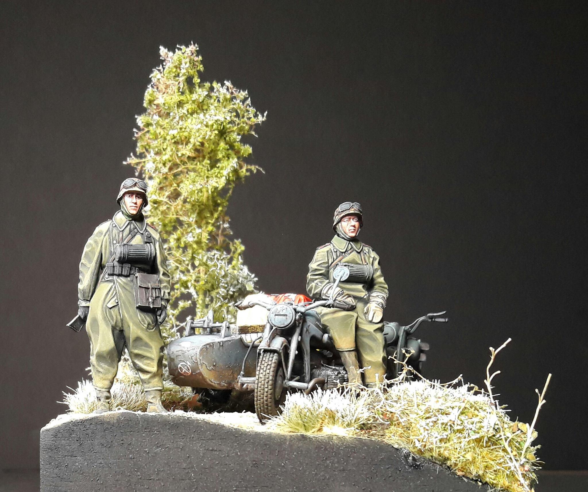 Zündapp KS750 - Sidecar - Great Wall Hobby + figurines Alpine - 1/35 - Page 5 5951532013280810211805849876232114280796o
