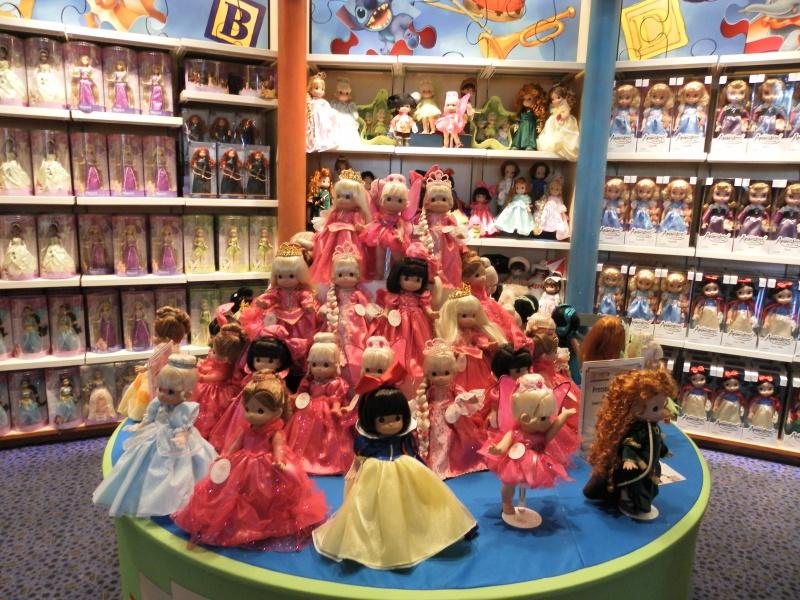 Les accros du shopping à Walt Disney world - Page 2 595226SAM4337
