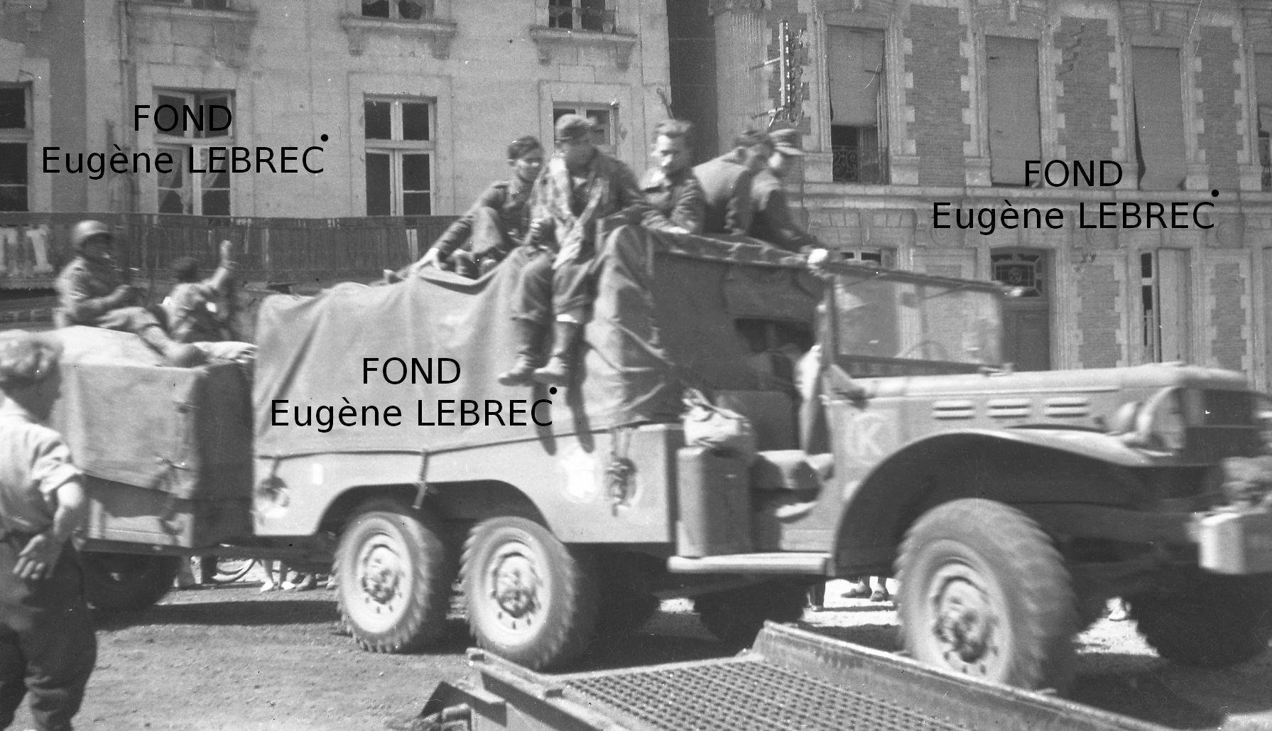 Chateau Gontier (Mayenne), véhicules à identifier - Page 2 606090convoiUS1