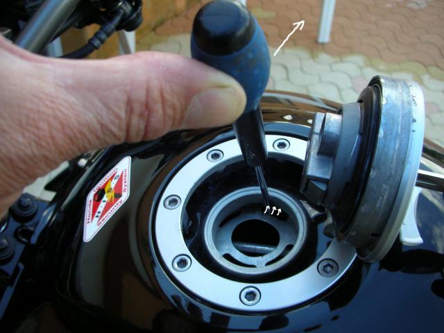 Gros problème d'ouverture du bouchon d'essence !!!!!! - Page 2 607565008Copie