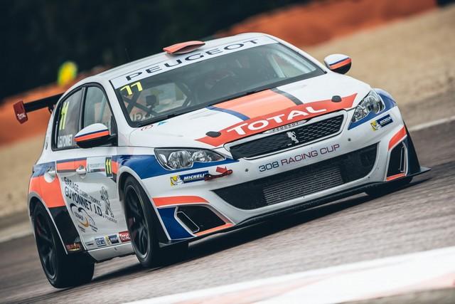 La Peugeot 308 Racing Cup Se Joue Des Conditions ! 6086105957d585d1e97