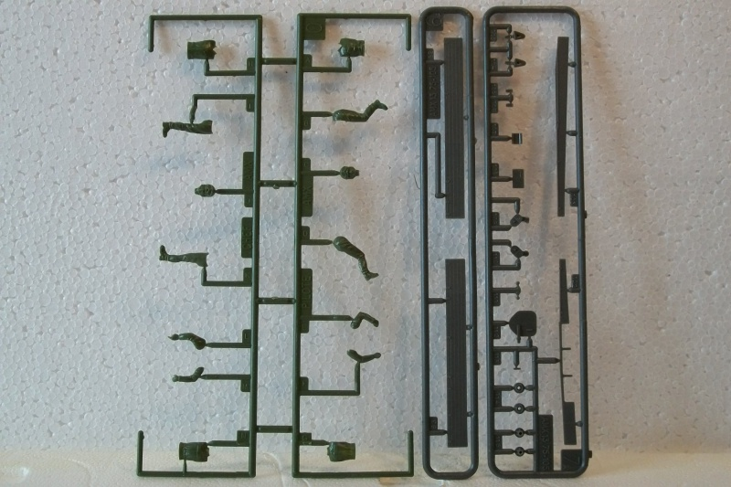 AMX 13 canon de 75 1/35ème Réf L 784 610538AMX1375784021Heller135