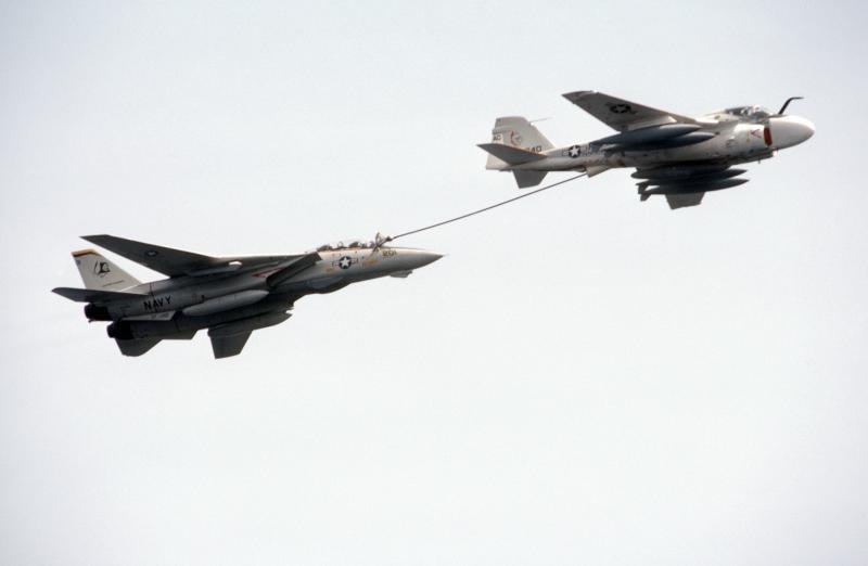 MCDONNELL-DOUGLAS F/A-18 HORNET  613134KA_6D
