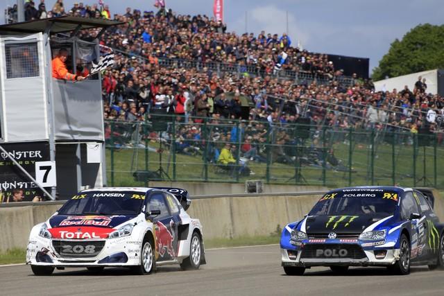 Timmy Hansen et la PEUGEOT 208 WRX flirtent avec la victoire en Belgique 61637359186e23103e3