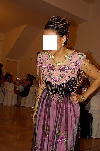 فساتين تقليدية للعروس الجزائرية-----سطايفي 617632binoir1bmp