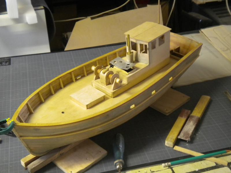 barque chalutiére au 1/20è d'après plans - Page 4 618223DSCN2231