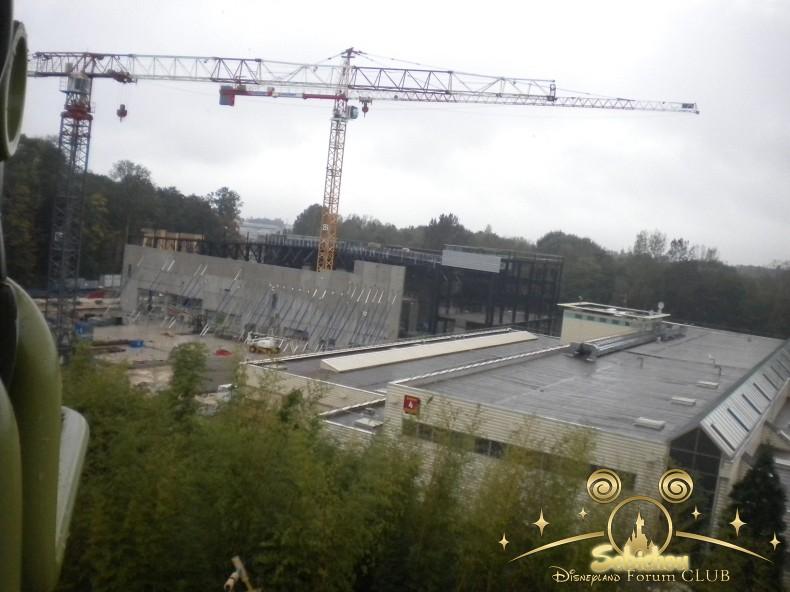 Construction du Dark Ride Ratatouille pour 2014 - Page 40 620996DSCN9985border