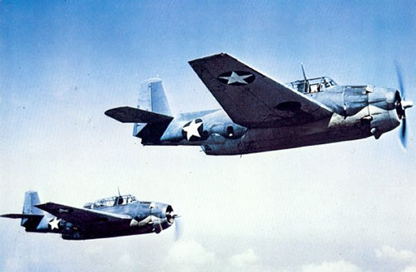 MCDONNELL-DOUGLAS F/A-18 HORNET  621781Grumman_Avenger