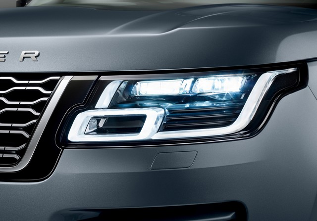 Le Nouveau Range Rover intègre dans sa gamme une motorisation essence hybride rechargeable 623326rr18mydetail10101701