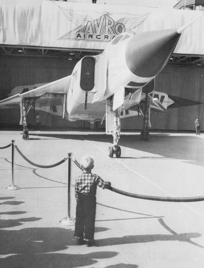 Avro Arrow CF-105 1/48 Hobbycraft 631597future