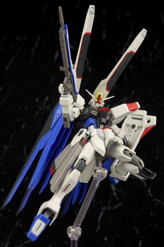 Review/Edito : Strike Gundam Metal Build 1/72 by Moshow la leçon Chinoise donnée a Bandai  6326919d5d8da7