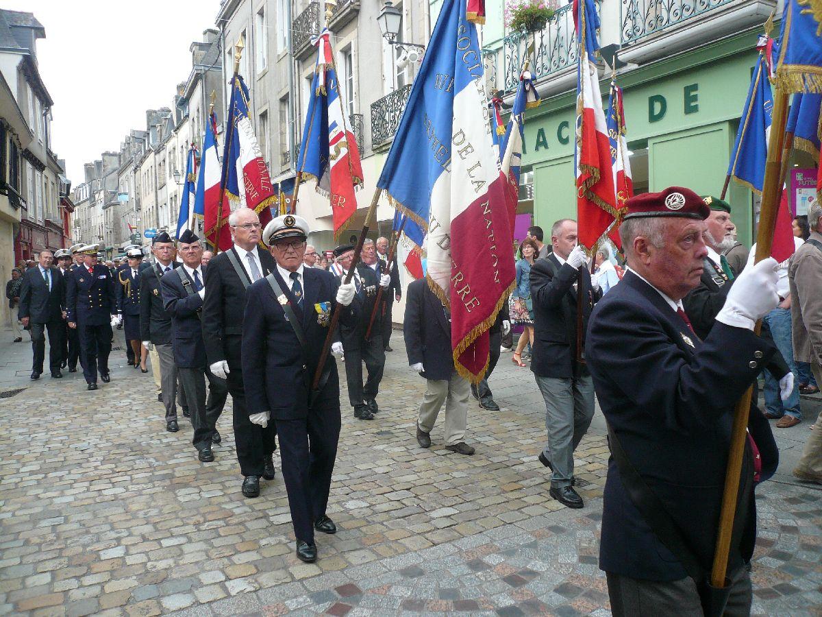 [Histoires et histoires] 100 villes, 100 héros, 100 drapeaux. Hommage national en ce 6 septembre 2014 6335647428